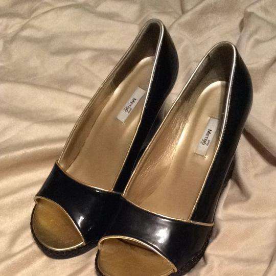 Metro 7 Black Patented Leather Wedges
