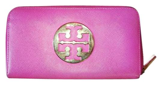 Preload https://img-static.tradesy.com/item/383283/tory-burch-pink-and-gold-continental-wallet-0-0-540-540.jpg