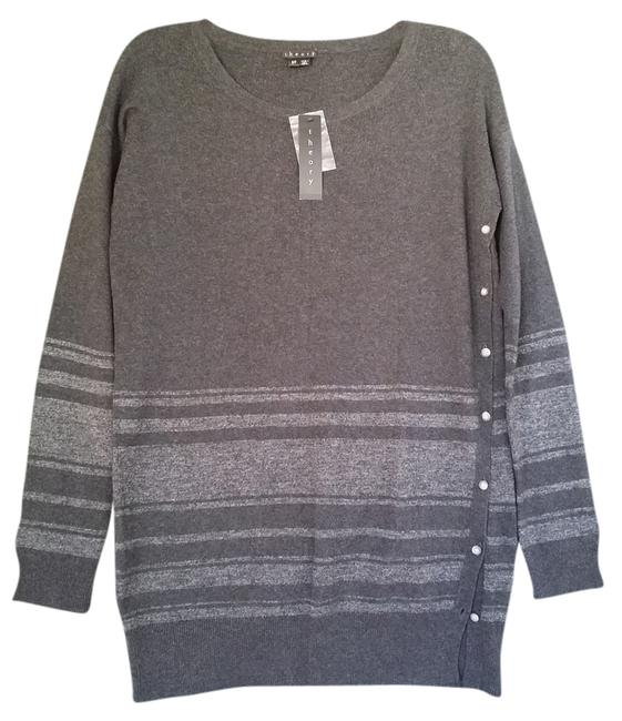 Preload https://item3.tradesy.com/images/theory-sweaterpullover-size-6-s-3833362-0-0.jpg?width=400&height=650
