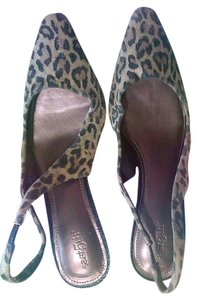 East 5th Essentials Pointed Toe Leather leopard skin Pumps