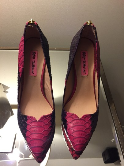 Betsey Johnson Pink/purple Pumps