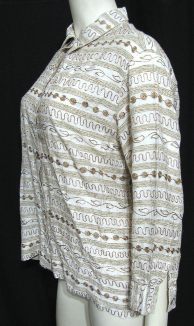Chico's Women Size 2 Large 12 14 3/4sleeve Geometric Embroidery Embroidered Pattern Crazy Tan Brown Ivory Ladies Shirt Blouse Button Down Shirt Beige