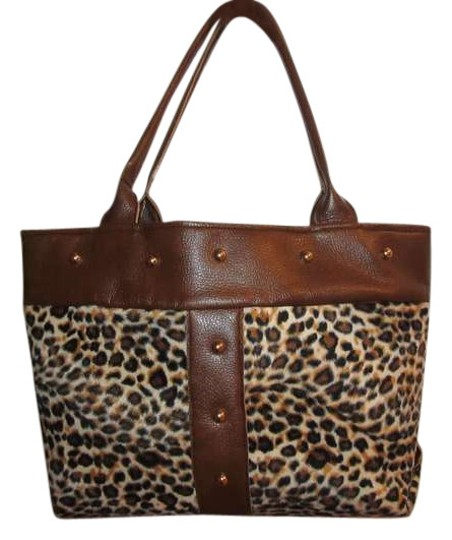 Preload https://item1.tradesy.com/images/leopard-cloth-tote-383935-0-0.jpg?width=440&height=440