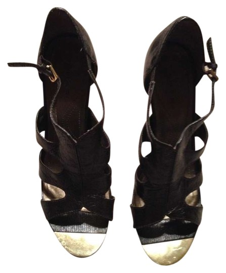 Tahari Night Out Gold Buckle Stylish Trendy Dark Brown Pumps