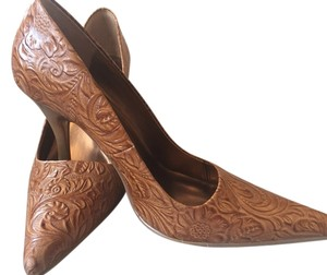 Nine West Tan/natural Pumps