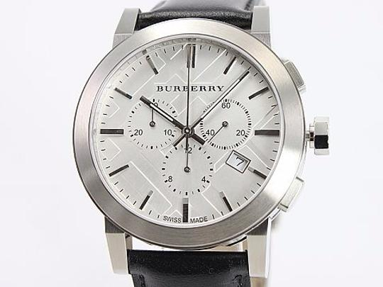 Burberry NIB Burberry Classic Black Leather Strap Watch