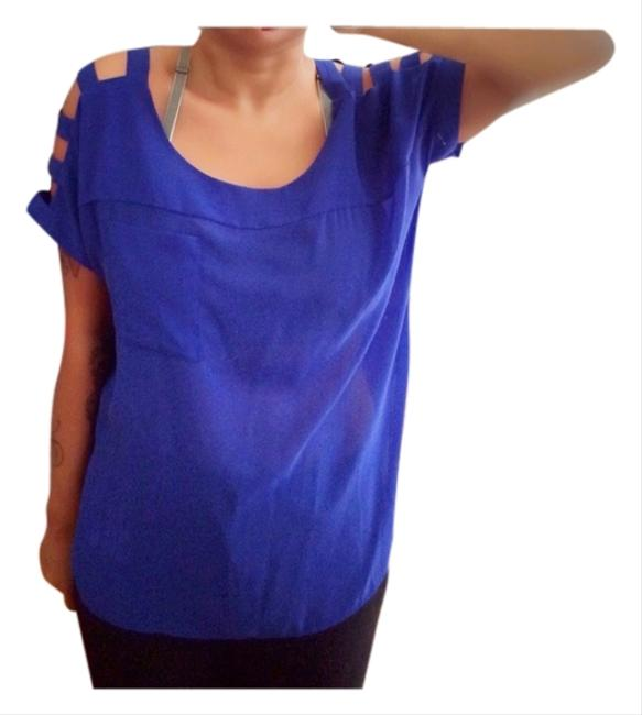 Preload https://item4.tradesy.com/images/urban-outfitters-royal-blue-chiffon-night-out-top-size-8-m-3843208-0-0.jpg?width=400&height=650