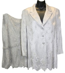 Badgley Mischka BADGLEY MISCHKA EMBELLISHED LACE SKIRT SUIT 12