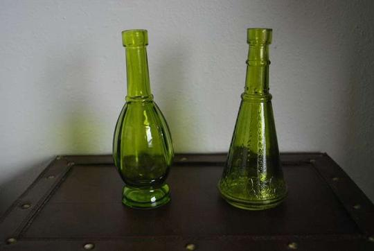 Preload https://img-static.tradesy.com/item/384651/green-14-bud-vases-reception-decoration-0-0-540-540.jpg