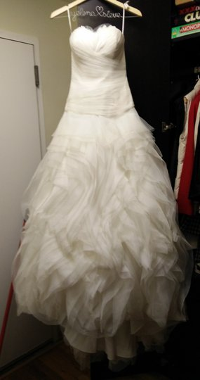 Pronovias White Benicarlo Feminine Wedding Dress Size 10 (M)