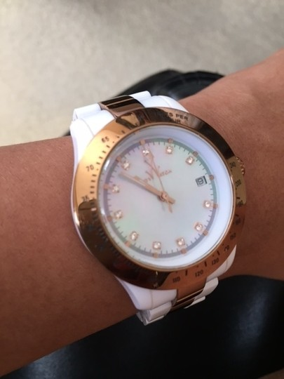 ToyWatch ToyWatch White and Gold