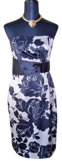 Preload https://item1.tradesy.com/images/white-house-black-market-new-strapless-floral-knee-length-cocktail-dress-size-6-s-3853915-0-0.jpg?width=400&height=650