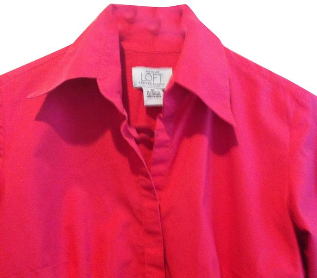 Preload https://item1.tradesy.com/images/ann-taylor-loft-coral-stretch-figure-flattering-with-hidden-buttons-p-blouse-size-petite-6-s-385720-0-1.jpg?width=400&height=650