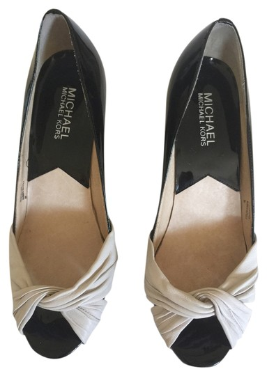 Michael Kors Size 8 Black patent-leather with Ivory leather twist Pumps