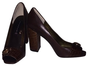 Steven by Steve Madden Brown Pumps