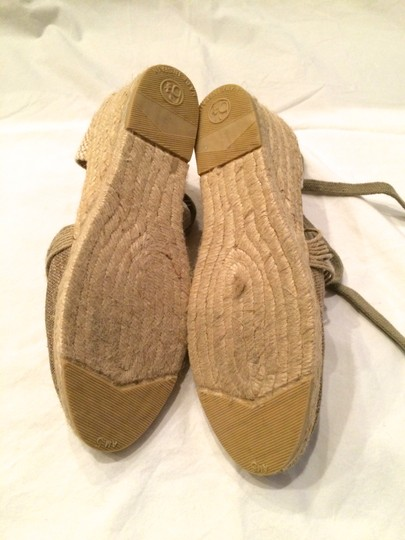 Andre Assous Natural Wedges