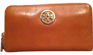 Tory Burch new tory burch robinson zip continental wallet