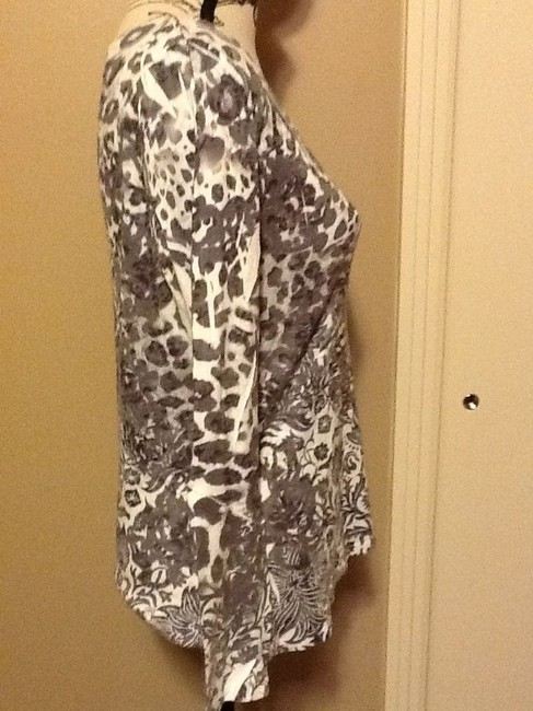 One World Long Sleeve Sequins Floral Soft Comfortable Top White/Black