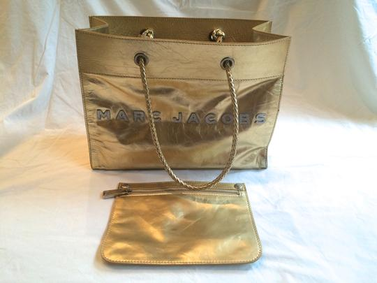 Marc Jacobs Tote in Gold