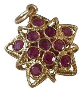 Modern Vintage 18k Ruby Star double sided 3 D Pendant/charm