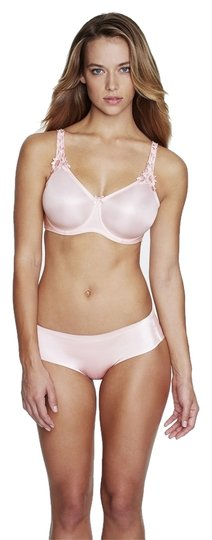 Preload https://item2.tradesy.com/images/dominique-pink-7000-everyday-seamless-minimizer-bra-size-dd-3865726-0-0.jpg?width=440&height=440