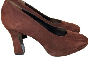 Salvatore Ferragamo bronw Pumps