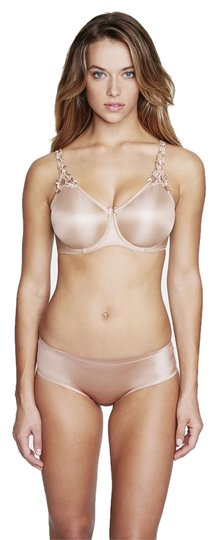 Preload https://item1.tradesy.com/images/dominique-nude-7000-everyday-seamless-minimizer-bra-size-c-3866335-0-0.jpg?width=440&height=440