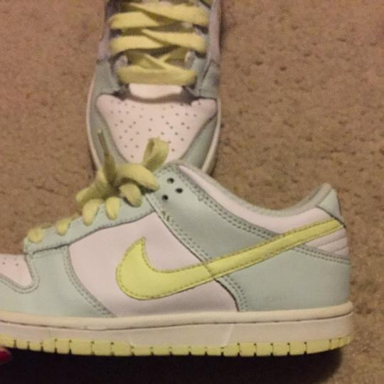 Nike Highlighter Yellow & Seafoam Blue Athletic