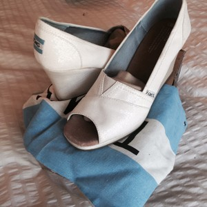 TOMS White Sequin Wedges Size US 9.5 Regular (M, B)
