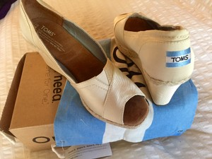 TOMS Ivory Grosgrain Wedges Size US 9.5 Regular (M, B)