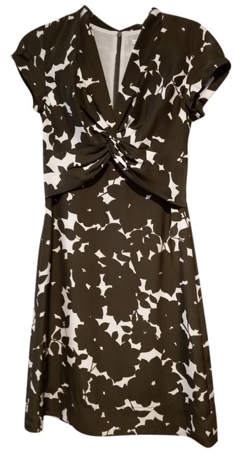 Preload https://img-static.tradesy.com/item/3867604/banana-republic-taupe-and-ivory-brown-floral-knee-length-workoffice-dress-size-2-xs-0-0-650-650.jpg