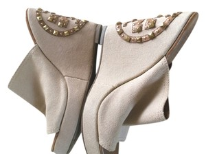 Tory Burch Beige/Brown Tory Burch symbol on the back Wedges