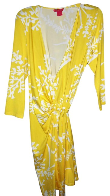 Preload https://img-static.tradesy.com/item/3869734/sunny-leigh-yellow-and-white-wrap-knee-length-short-casual-dress-size-12-l-0-7-650-650.jpg