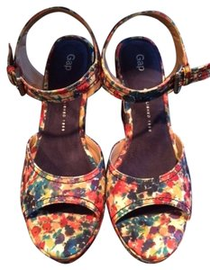 Gap Multi floral Wedges