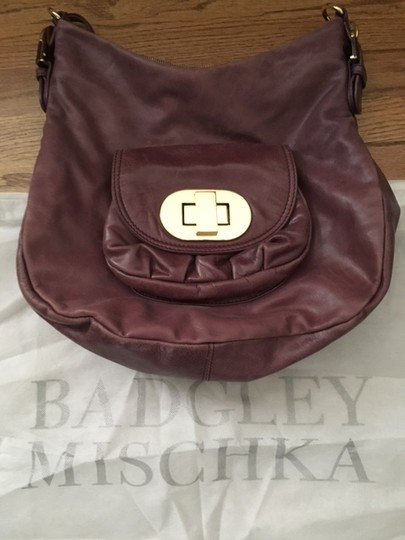 Badgley Mischka Gold Gold Hardware Leather Shoulder Bag