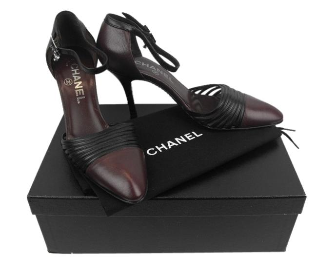 Chanel Burgundy Two Tone Pleated Leather Ankle Strap Crystals Charm Pumps Size EU 36.5 (Approx. US 6.5) Regular (M, B) Chanel Burgundy Two Tone Pleated Leather Ankle Strap Crystals Charm Pumps Size EU 36.5 (Approx. US 6.5) Regular (M, B) Image 1
