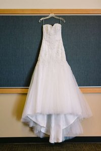 Maggie Sottero Ivory Lace Fit and Flare Beauty Formal Wedding Dress Size 8 (M)