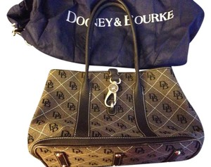 Dooney & Bourke Satchel in The timeless appeal of the logo print