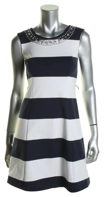 Preload https://item1.tradesy.com/images/inc-international-concepts-black-white-wear-to-work-above-knee-short-casual-dress-size-2-xs-3875920-0-0.jpg?width=400&height=650