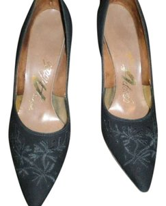 BLACK SUEDE SHOES WITH EMBROIDERY DESIGN