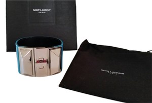 Saint Laurent brand new SAINT LAURENT CLOUS PUNK PYRAMIDAUX BRACELET