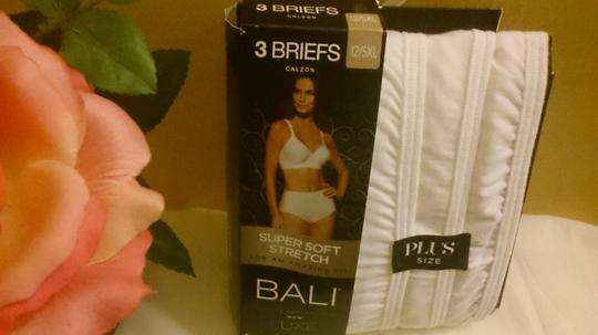 Bali Bali (3) Super Soft Luxe Plus Briefs 12/5 XL White BRAND NEW In Package