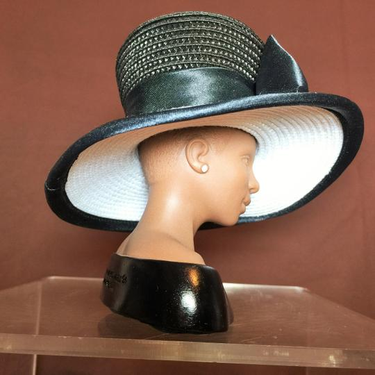 "Other "" Diva"" Sculpture by Harriet Rosebud ; Black & White Straw Hat #3102 ( 5.5""h ) [ SisterSoul Closet ]"