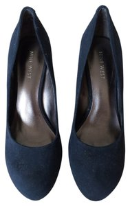 Nine West Suede Round Toe Navy Blue Pumps