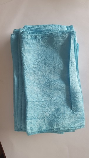 10 Light Blue Crinkle Taffeta Table Runners