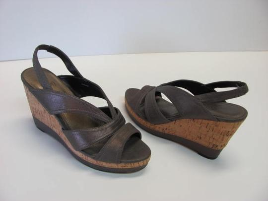 Impo Very Good Conditon Size 7.50 LIGHT BROWN Wedges Image 3
