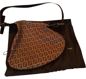 c8c6c0fbe4 Fendi Hobo Bags - Up to 70% off at Tradesy (Page 4)