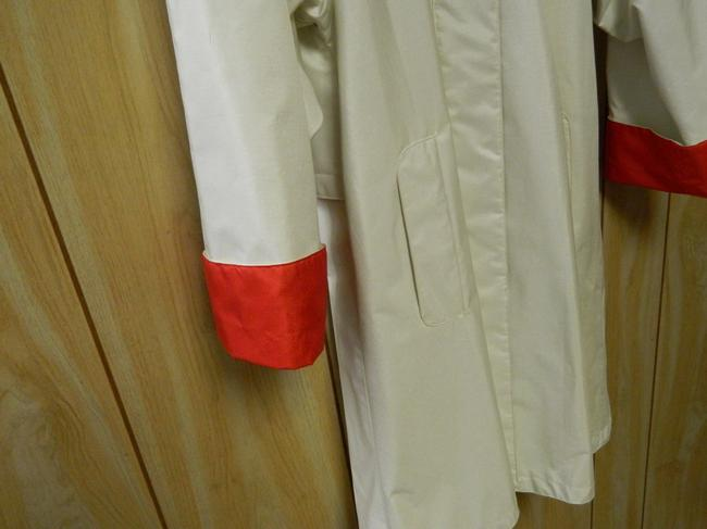 British Mist Hidden Closure Contrast Turned-up Cuff Off-White Jacket