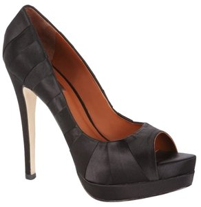 BCBGMAXAZRIA Satin Never Worn Black Satin Pumps