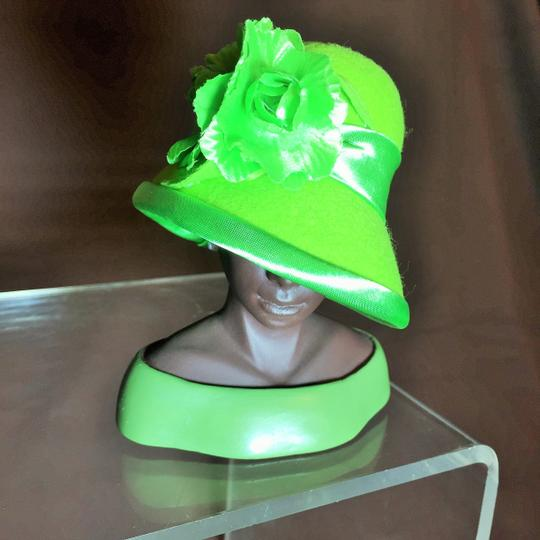 """Other """" Confidence """" Sculpture by Harriet Rosebud ; Lime Green Felt With Satin Trim and Flower #3101 ( 5""""h ) [ SisterSoul Closet ]"""